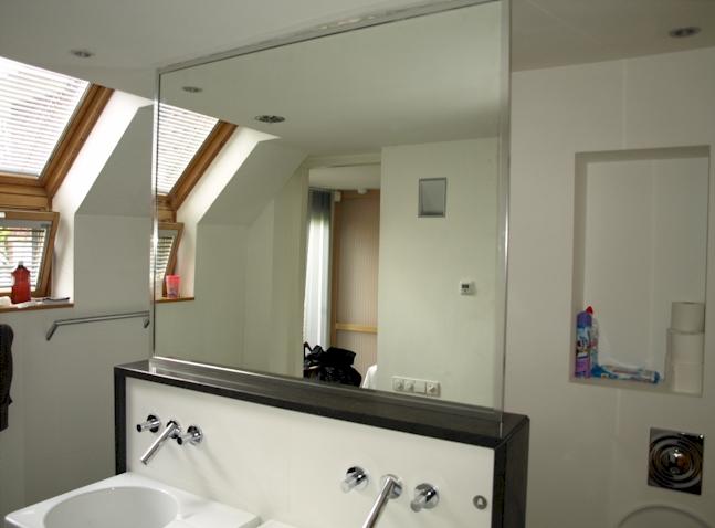spiegels op maat wandspiegels badkamerspiegels en. Black Bedroom Furniture Sets. Home Design Ideas