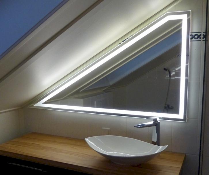Led spiegel op maat - Zorgen voor een grote spiegel aan de wand ...