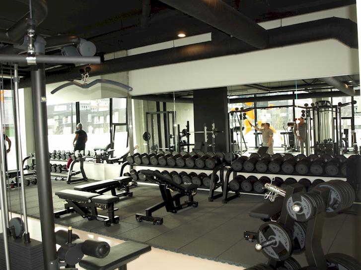 spiegelwand ijburg amsterdam fitness studio. Black Bedroom Furniture Sets. Home Design Ideas
